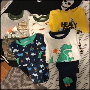 8 pair pajamas 4t Carters